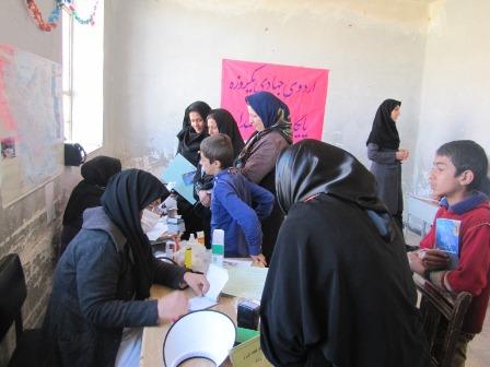 حضور بسیج جامعه پزشکی در محروم ترین روستای سروستان