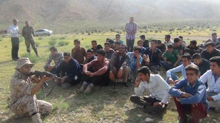 اردوی میدان تیر حوزه مقاومت بسیج دانش آموزی شهید فهمیده سروستان برگزار شد