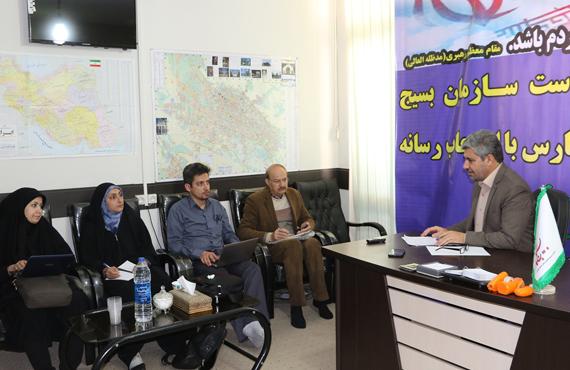 بسیجیان جامعه پزشکی فارس به روستاییان مناطق جنگی خدمت رسانی خواهند کرد