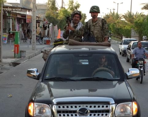 رژه یگان خودرویی گروهان نمونه ی گردان الفتح فراشبند+ تصاویر