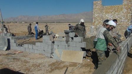ساخت یک واحد مسکونی روستایی توسط بسیجیان سروستانی در روستای تل پوک