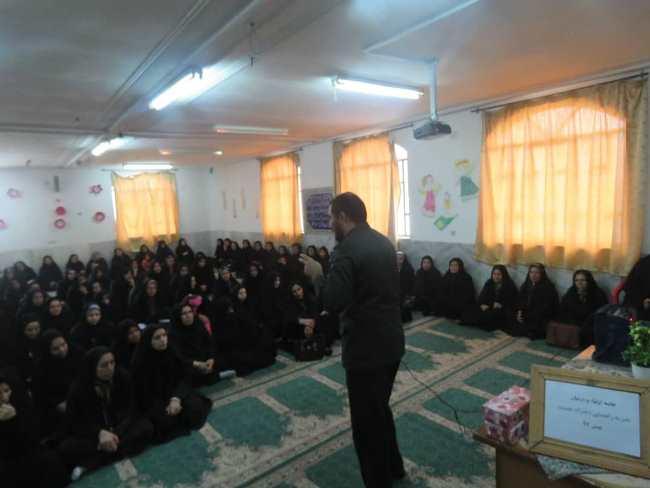 اجرای برنامه های متنوع دهه فجر در حوزه امام سجاد(ع) سیدان
